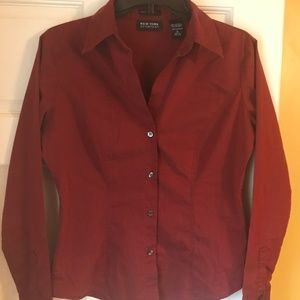 Crimson stretch button-down blouse